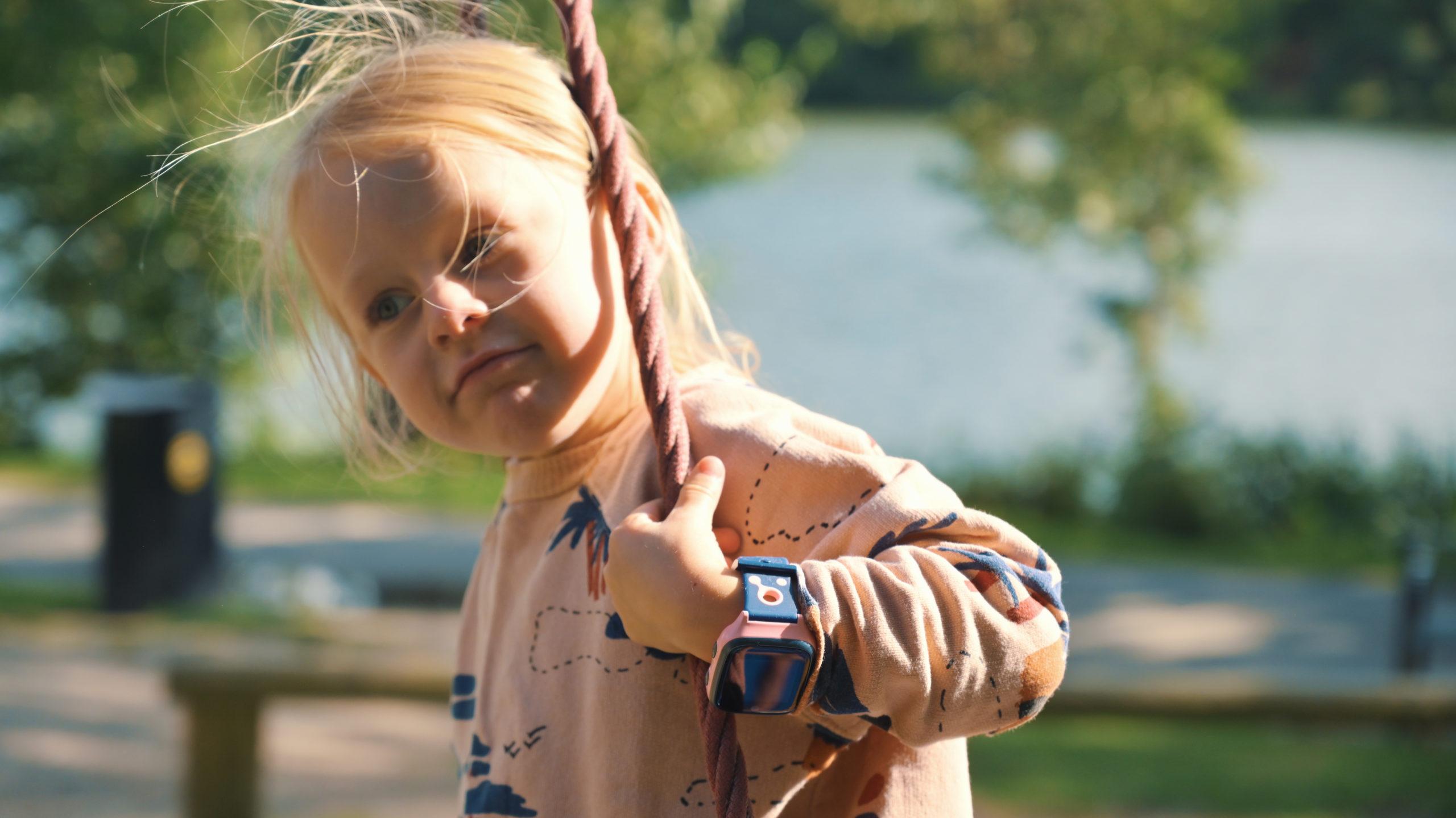 barn-med-xplora-mobilklocka